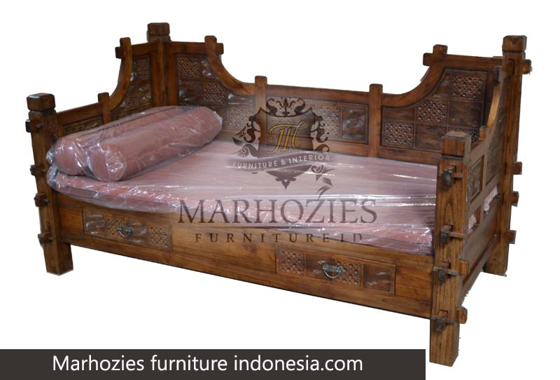 DAY BED PERAHU MACAN (205.107